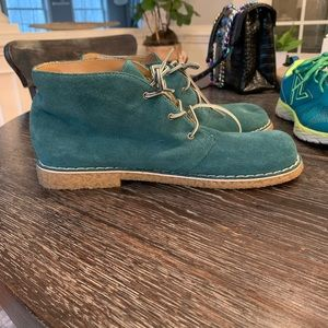 White Mountain Teal Desert Boots sz 9 New